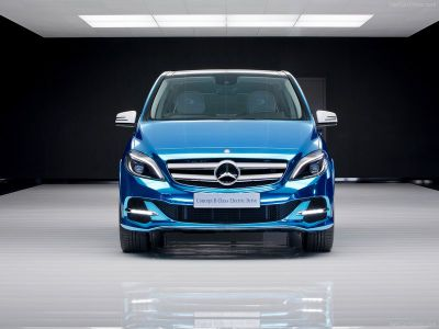 UK Gets First Electric Mercedes-Benz